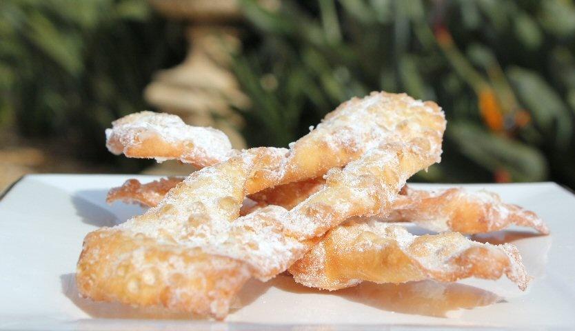 Crostoli-Italian-cookies-b